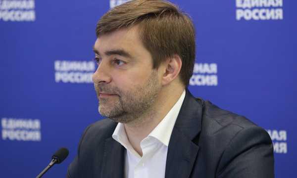 """:: Третье Послание Федеральному собранию Медведев посвятил детям. Но среди """"детских"""" тем затерялись """"взрослые"""""""